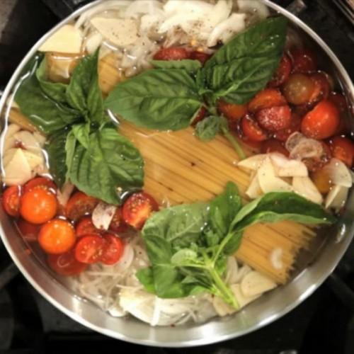 Plaats pasta in een pan, de volgende stap? Jouw familie gaat van dit recept houden!