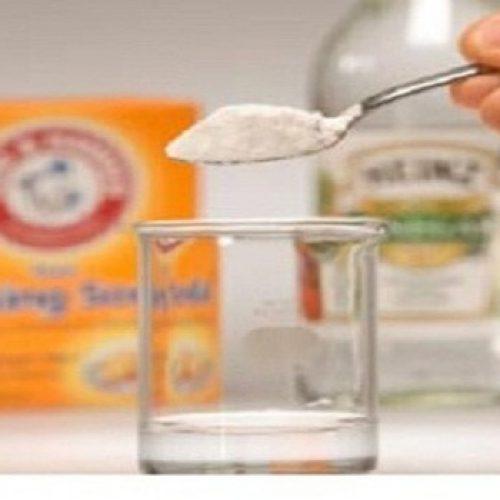 Water met azijn en baking soda: Een wondermiddel