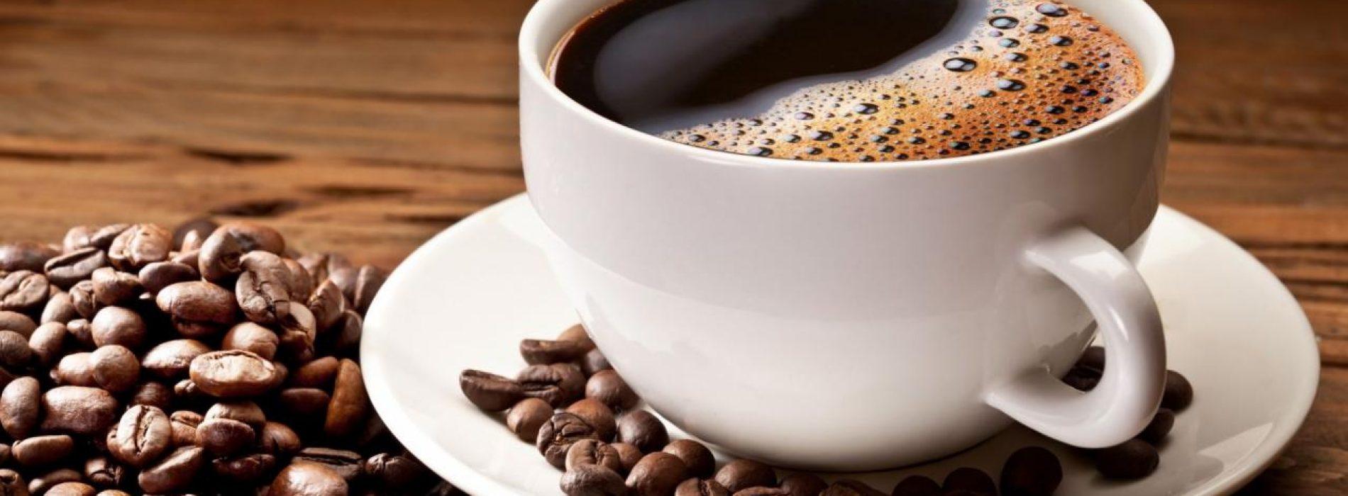 http://www.naturotheek.com/wp-content/uploads/2016/10/cafeine-lijkt-risico-terugkeer-darmkanker-verlagen-1900x700_c.jpg