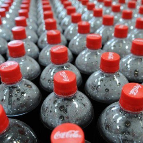 Dit gebeurt er met je lichaam als je een blikje Coca-Cola drinkt