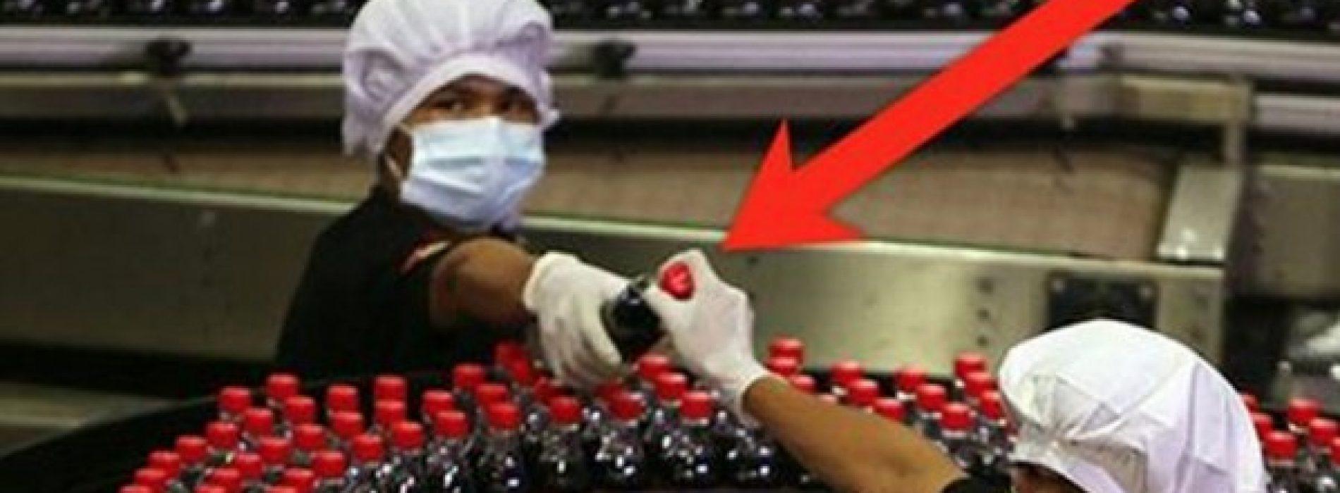 Zodra u deze video heeft gezien, zult u waarschijnlijk nooit geen frisdrank meer willen drinken.