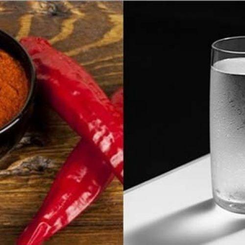 Doe wat Cayenne peper in een glas met water en drink het op, in 10 Seconde gebeurt er een wonder!