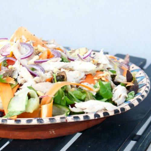 Gerookte makreelsalade met pijnboompitten recept