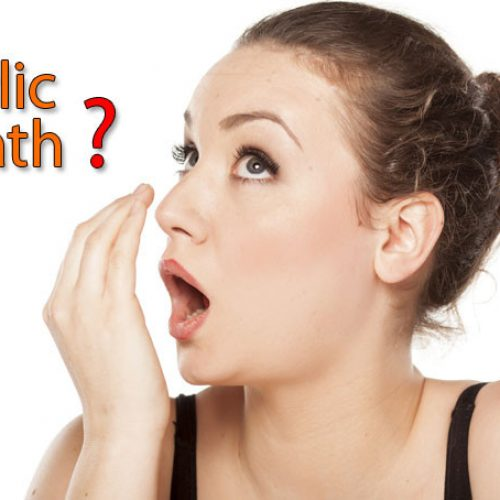 Teveel knoflook gegeten? Zo ga je een knoflookadem tegen!
