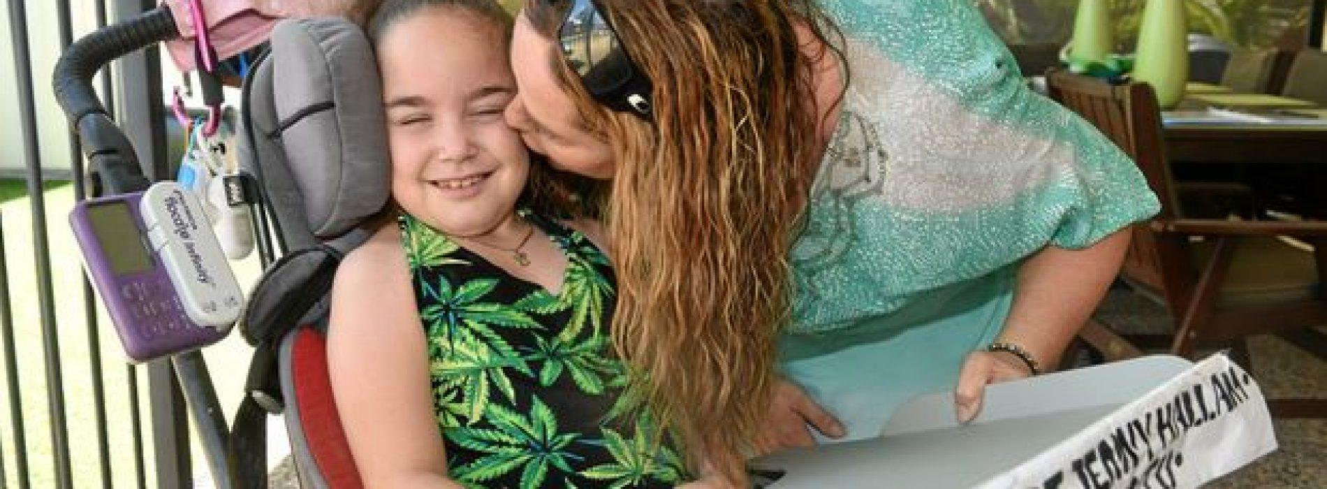 Meisje (9) met 19 ziektes bloeit op dankzij cannabisolie. Bekijk hier de indrukwekkende beelden