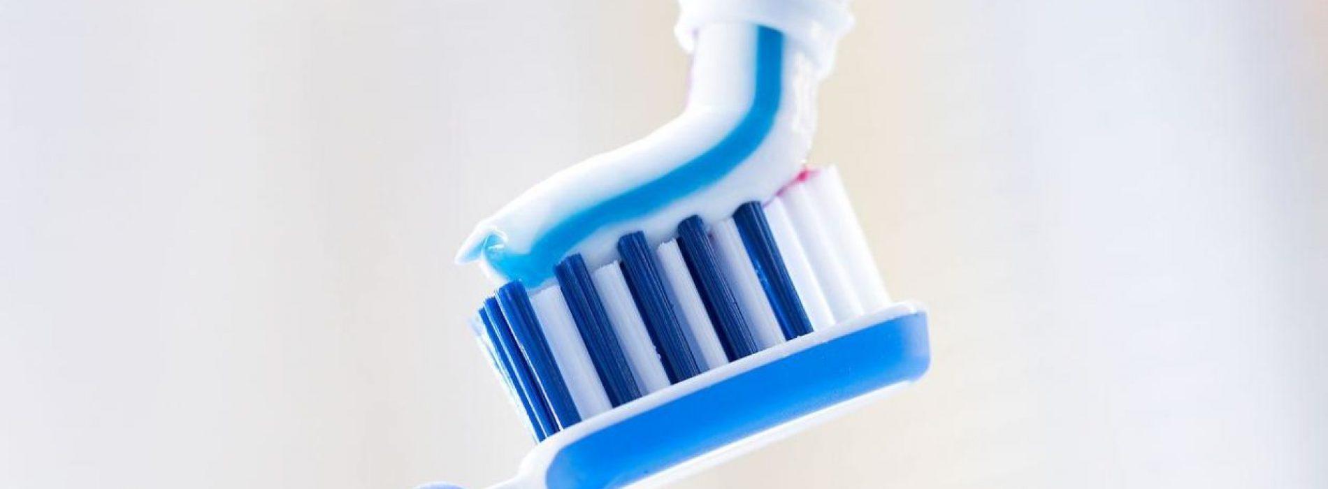 Pas op voor deze negen giftige ingrediënten in uw tandpasta