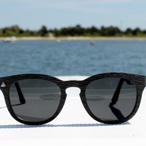 Deze zonnebrillen zijn gemaakt van plastic uit de oceaan. En nog mooi ook