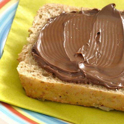 Zeg nee tegen Nutella !!! Het vergiftigt u en uw gezin !!!