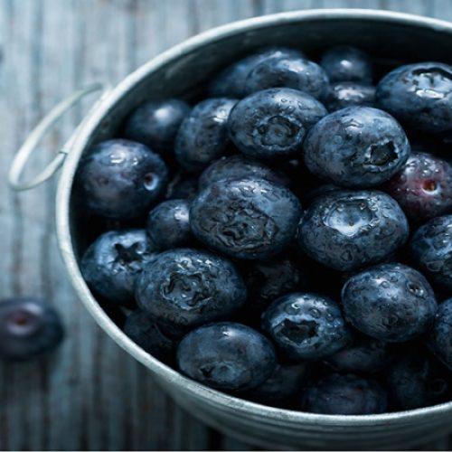Dit zijn de 7 verfrissende redenen om elke dag een handje vol bosbessen te eten!