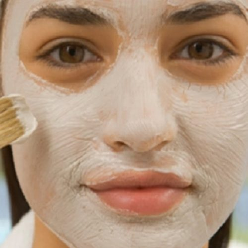 Breng dit Baking Soda en Appel Azijnmasker aan gedurende 5 minuten dagelijks en Bekijk de resultaten: Uw vlekken en acne verdwijnen als was het Magie!