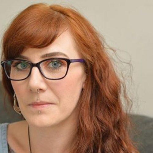 Moeder uitgerust met pacemaker Op 32-jarige leeftijd omdat ze 6 energiedrankjes per dag gebruikte