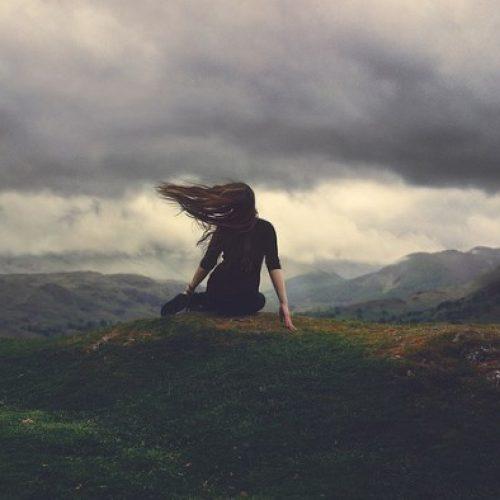 10 geweldige dingen die zullen gebeuren als je leert genieten van het alleen zijn
