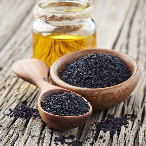 Zwart komijnzaad, een traditionele folkremedie, wordt populair vanwege de gezondheidsvoordelen en synergetische effecten