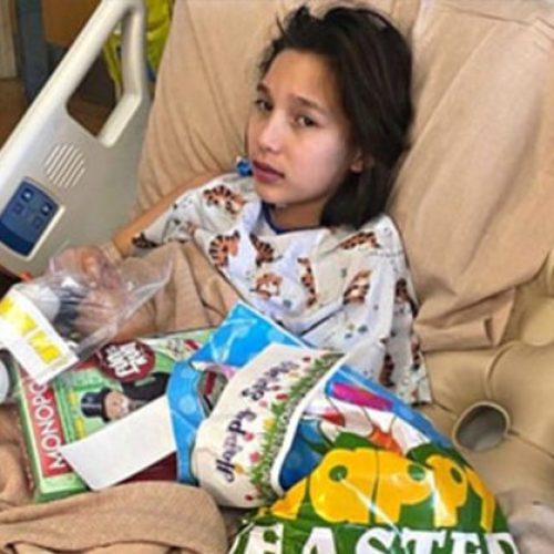 """""""Ik stierf voor 2 minuten"""": 12-jarig meisje herstelt van COVID na hartfalen"""